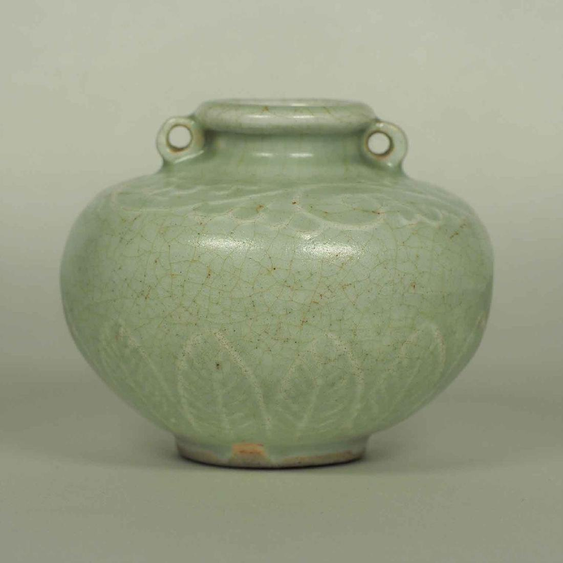 Longquan Crackled Jarlet, Yuan Dynasty