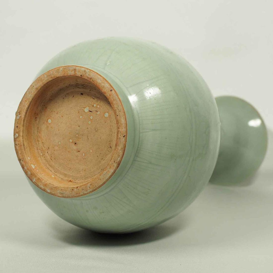 Longquan Yuhuchun Vase, Yuan-early Ming Dynasty - 5