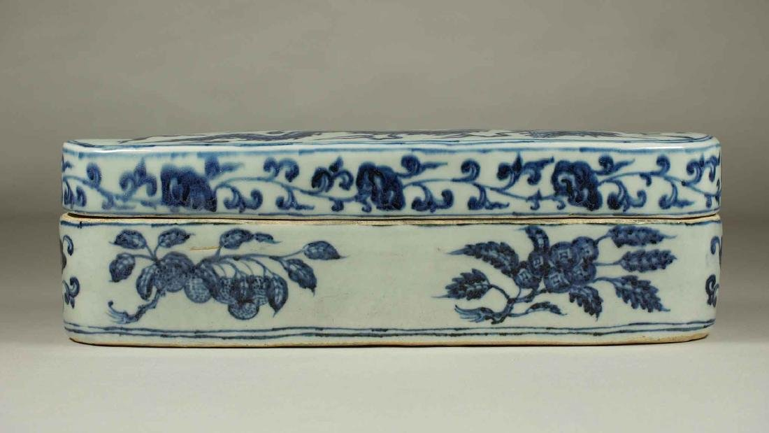 Lidded Pen Box with Dragon, Xuande Mark, Ming Dynasty - 3