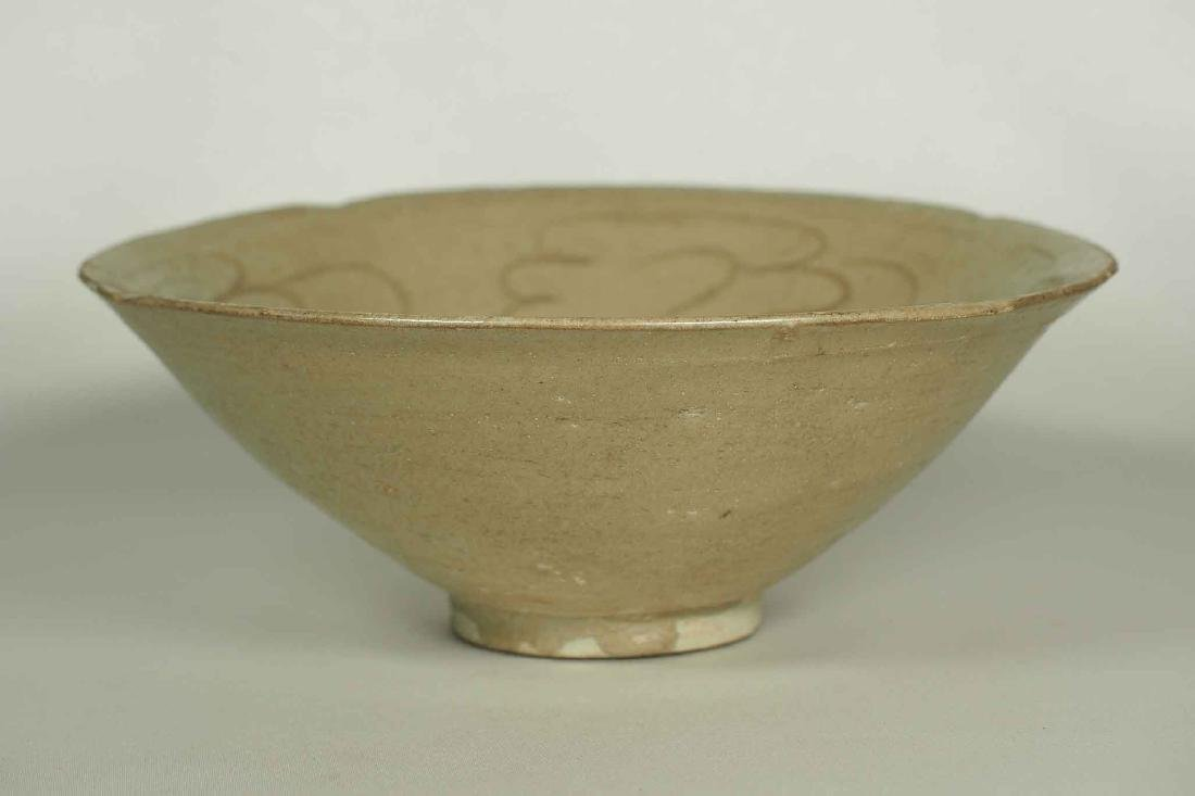 Yue Celadon Bowl with Incised Design, Song Dynasty - 2