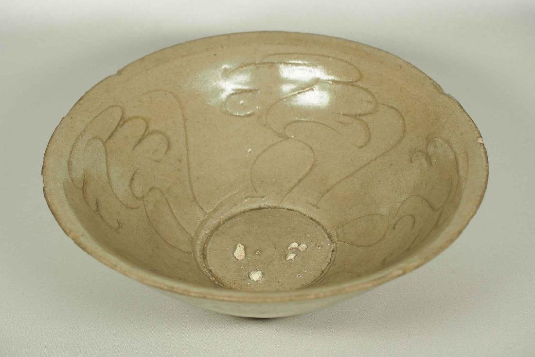 Yue Celadon Bowl with Incised Design, Song Dynasty - 4