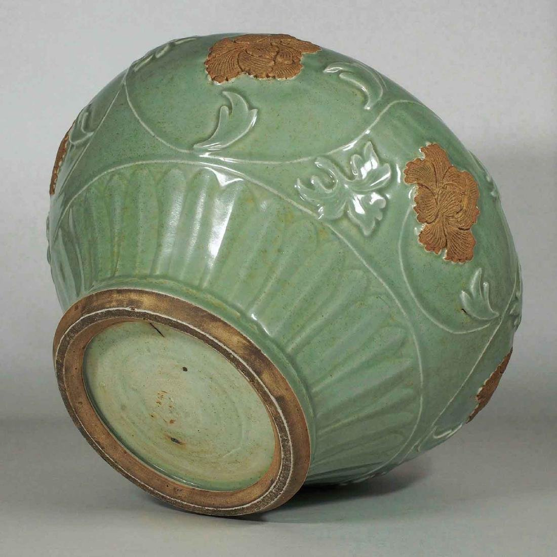 Longquan Jar with Biscuit-Decorated Peony, Yuan-early - 11