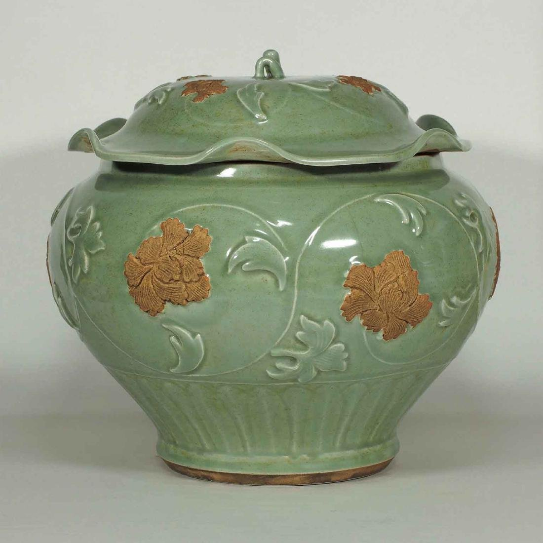Longquan Jar with Biscuit-Decorated Peony, Yuan-early - 3
