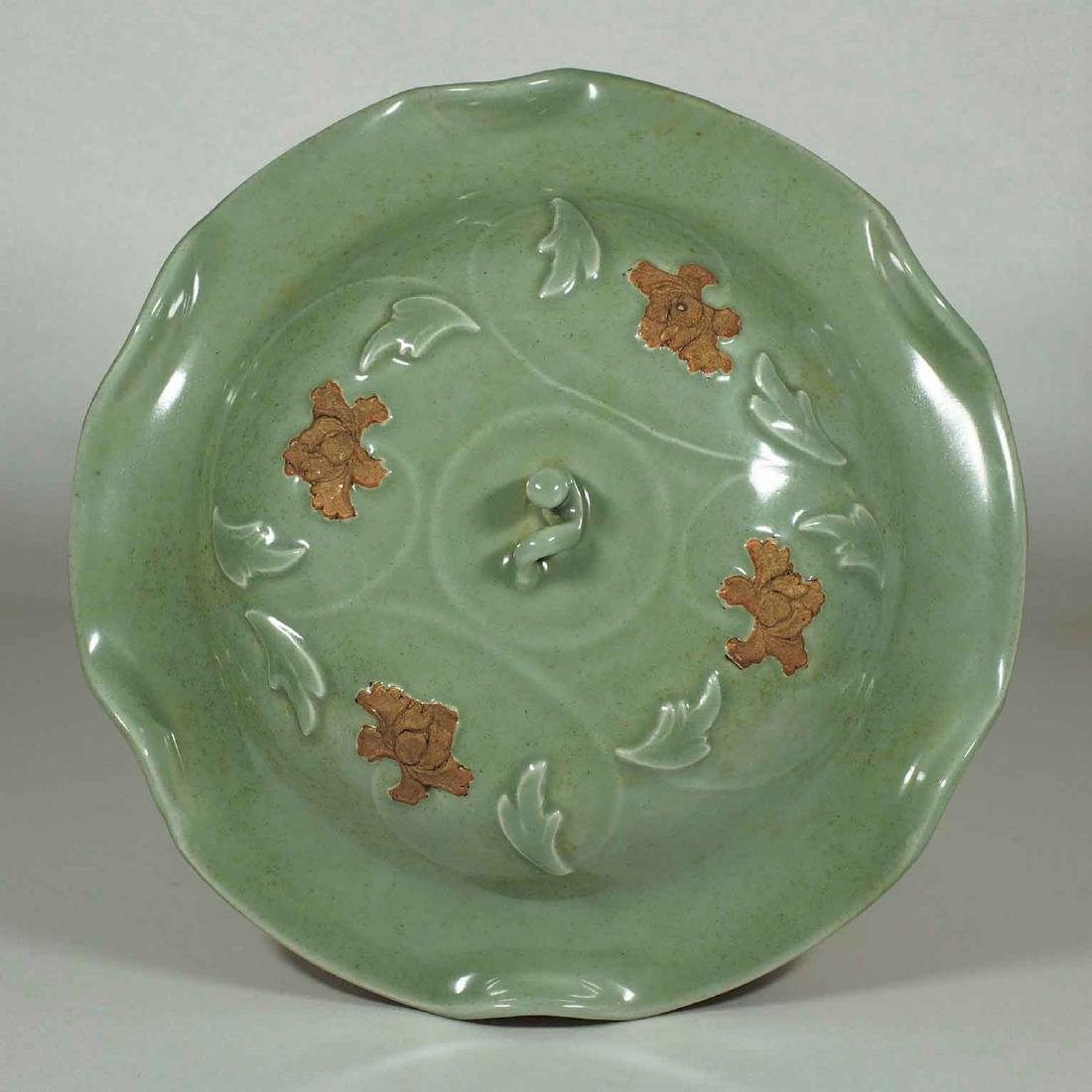 Longquan Jar with Biscuit-Decorated Peony, Yuan-early - 4