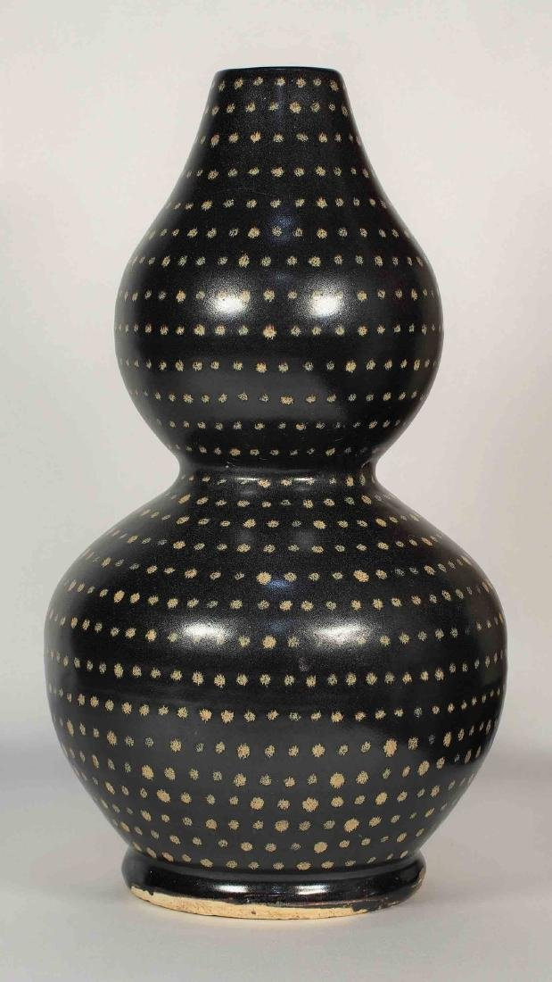 Jizhou Large Double-Gourd with Dotted Design, Song - 3
