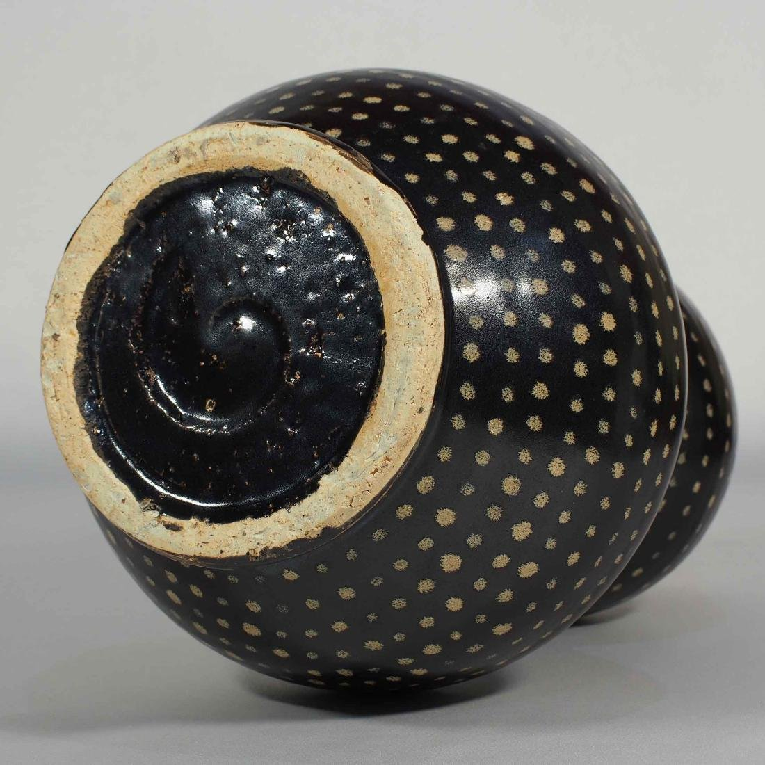 Jizhou Large Double-Gourd with Dotted Design, Song - 7