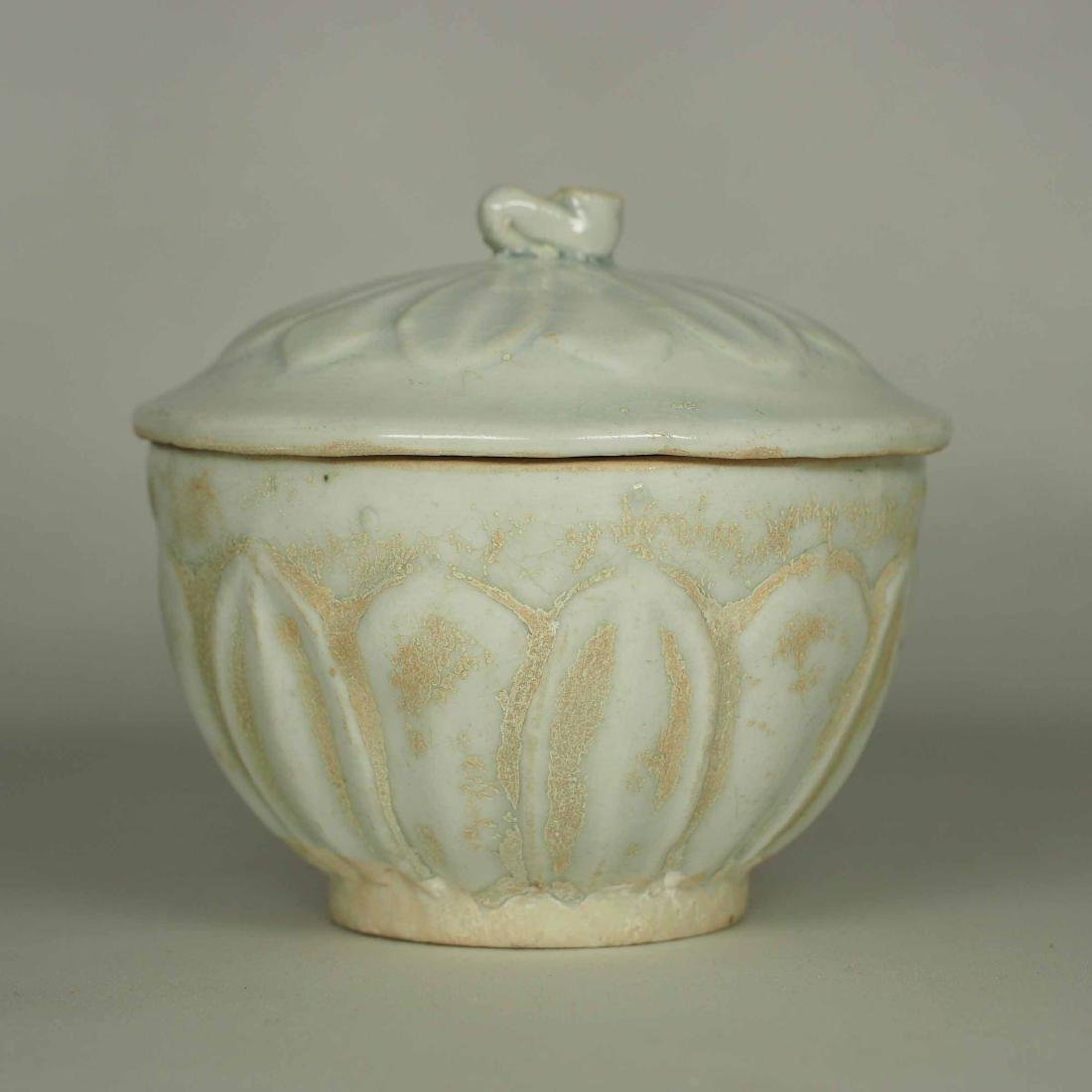 Qingbai Small Lidded Jar with Moulded Lotus, Song