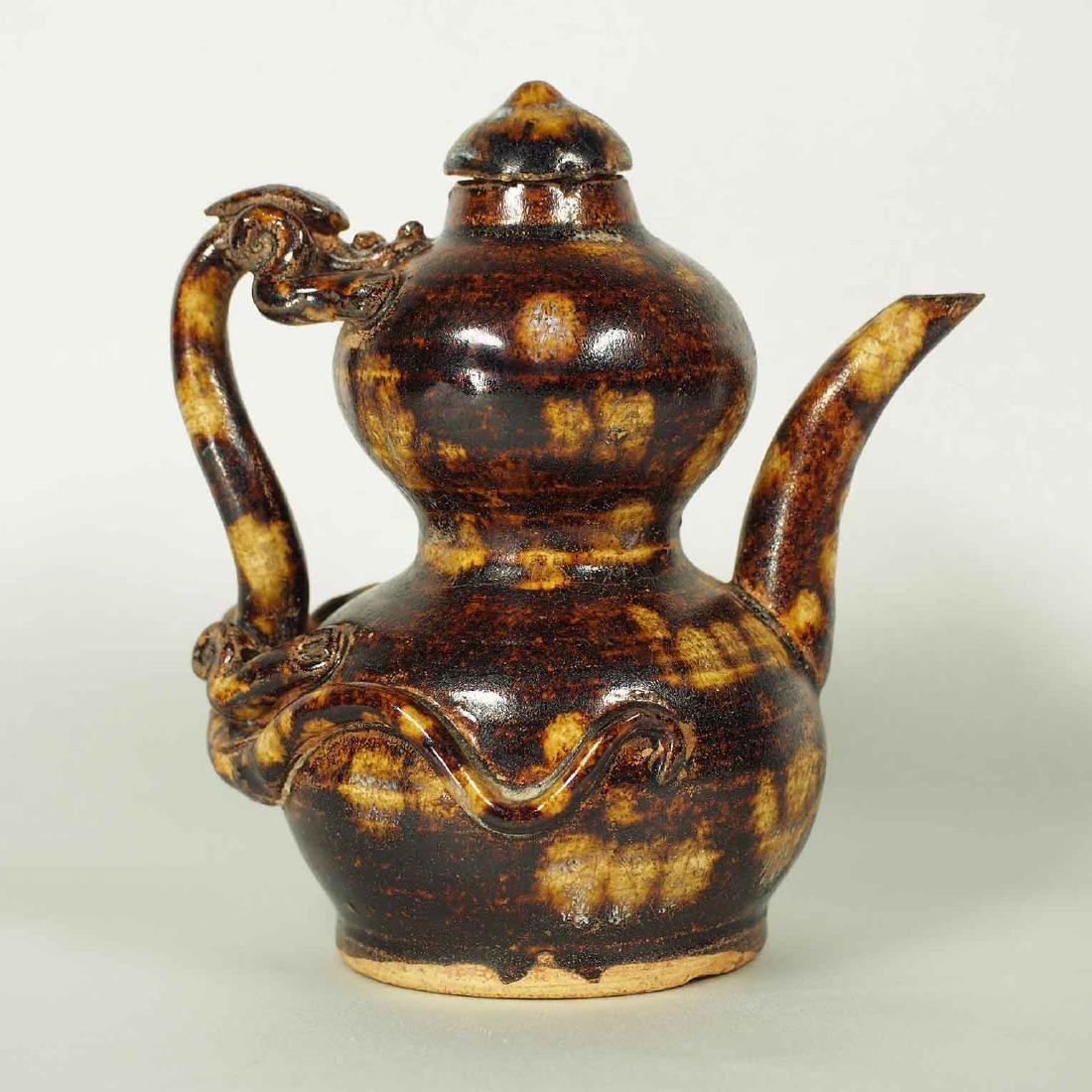 Jizhou Double Gourd Ewer with Dragon Handle, Song-Yuan