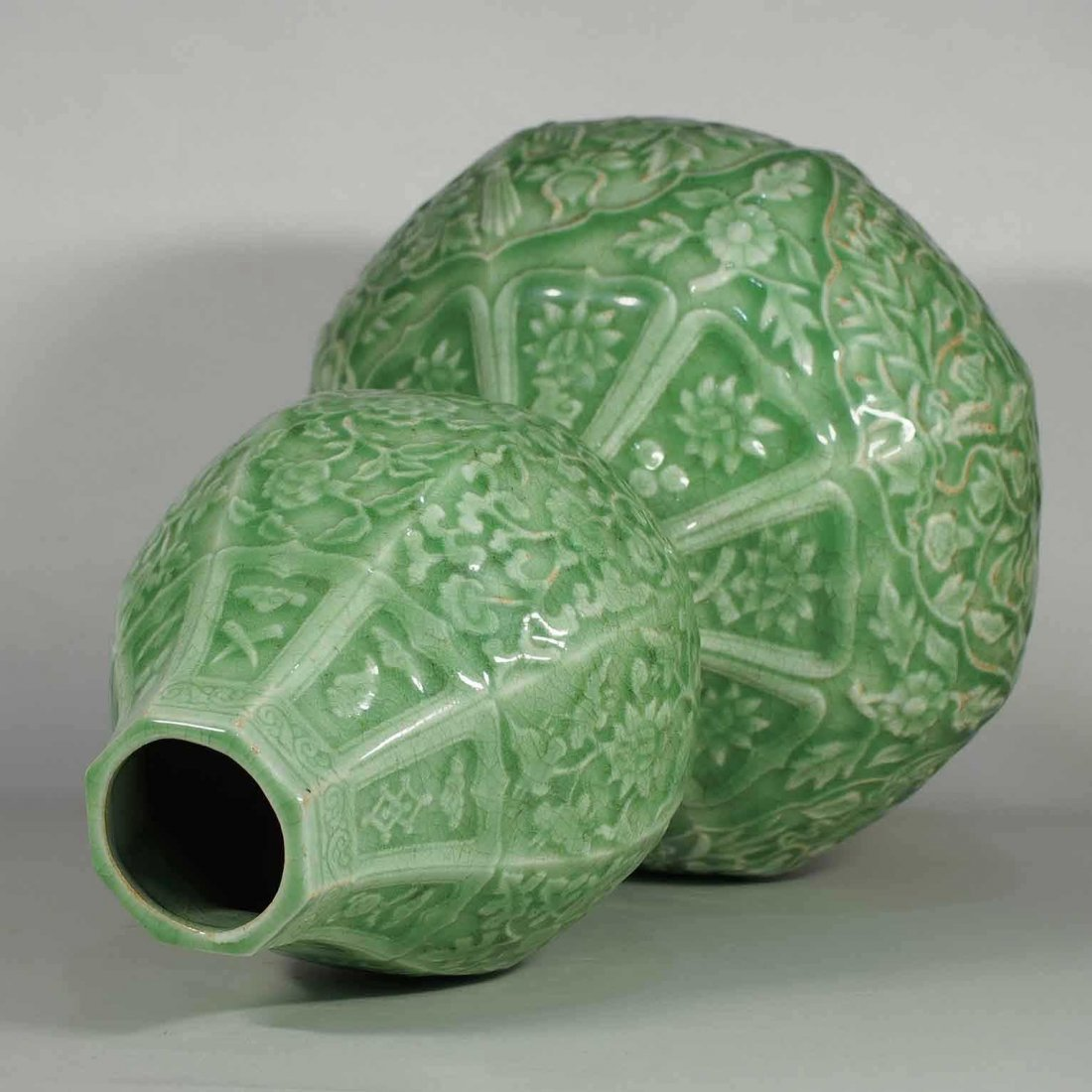 Massive Octagonal Longquan Double Gourd, early Ming - 10