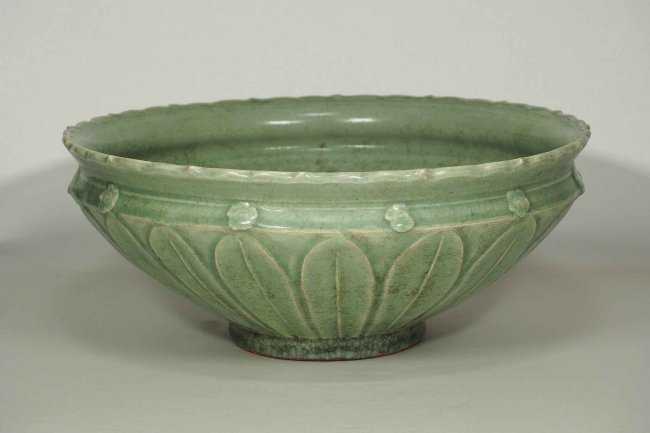 Large Longquan Bowl with Carved Lotus, early Yuan