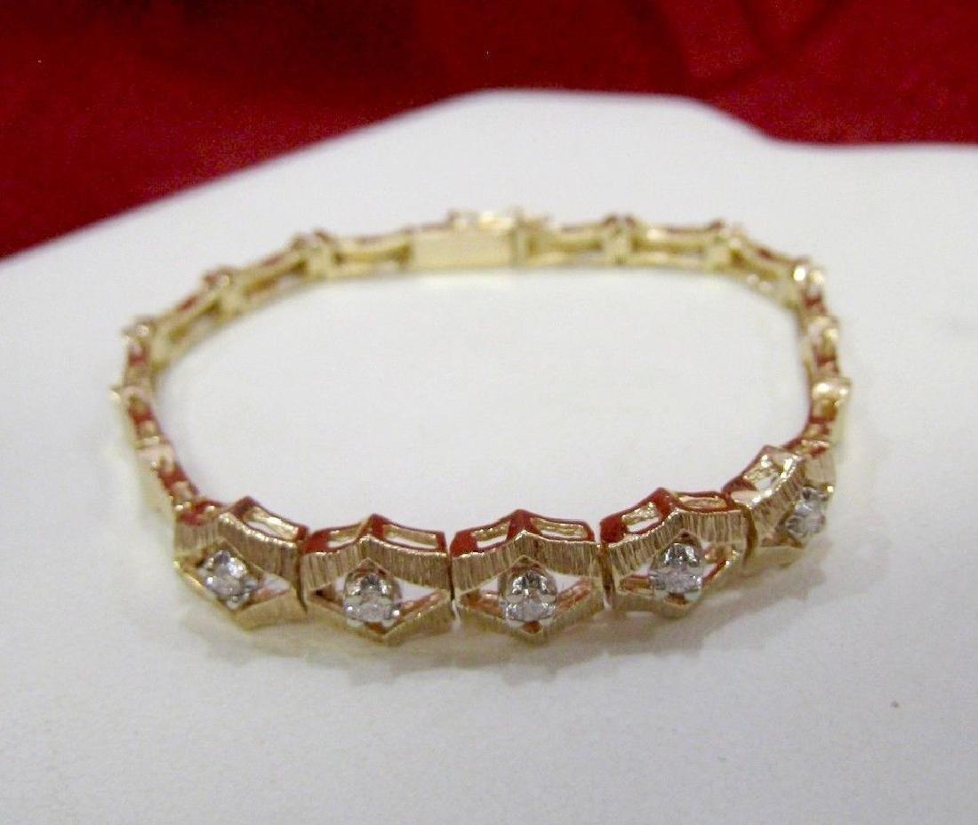 VINTAGE 14K YELLOW TEXTURED GOLD SET 0.35 CTW DIAMONDS