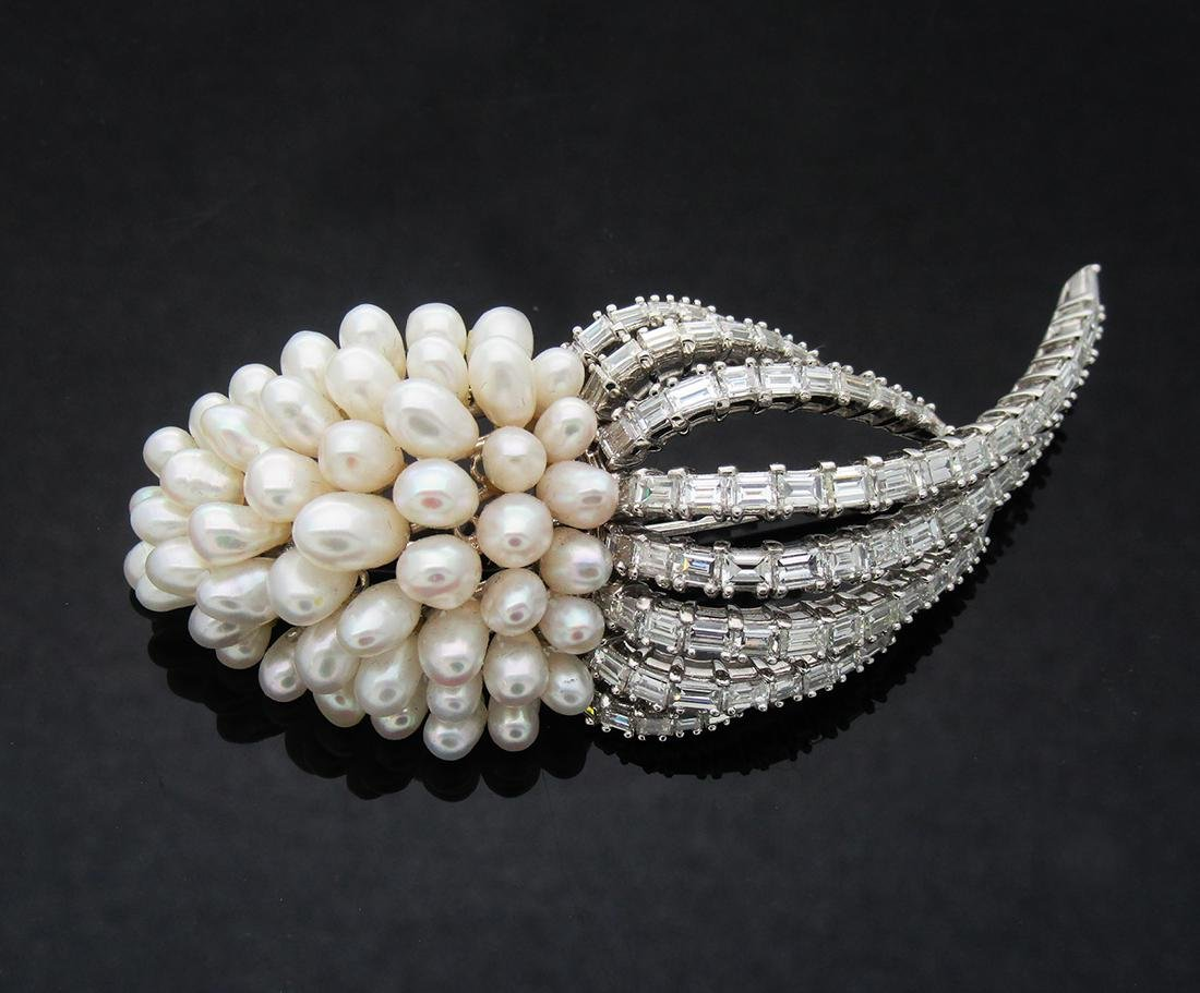 18K White Gold apx. 7.5 TCW Diamonds Pearl Pin Brooch