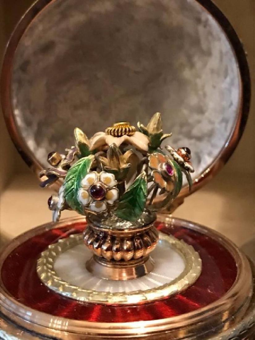 RUSSIAN JEWELED GOLD & DIAMOND GUILLOCHE SQUARE EGG