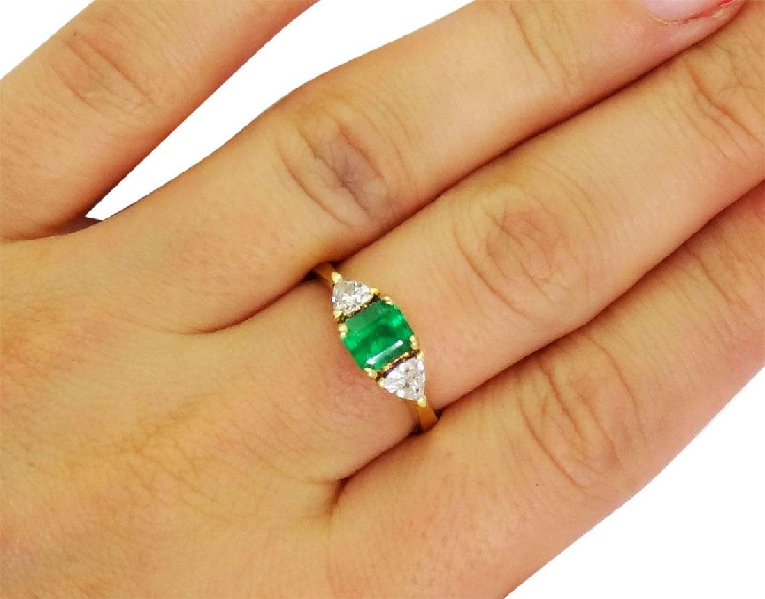 18K Yellow Gold Emerald and Diamonds Ring Size 8.25 - 3