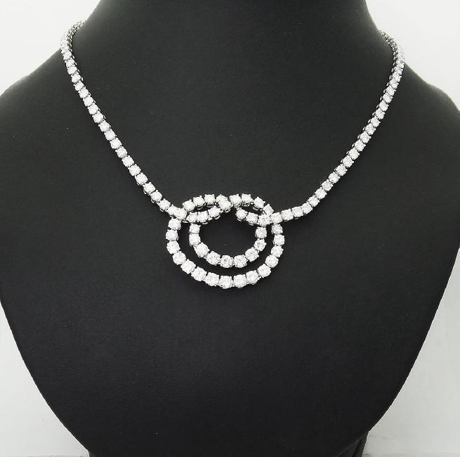 Van Cleef & Arpels Plat 950 20 Carat Diamond Necklace