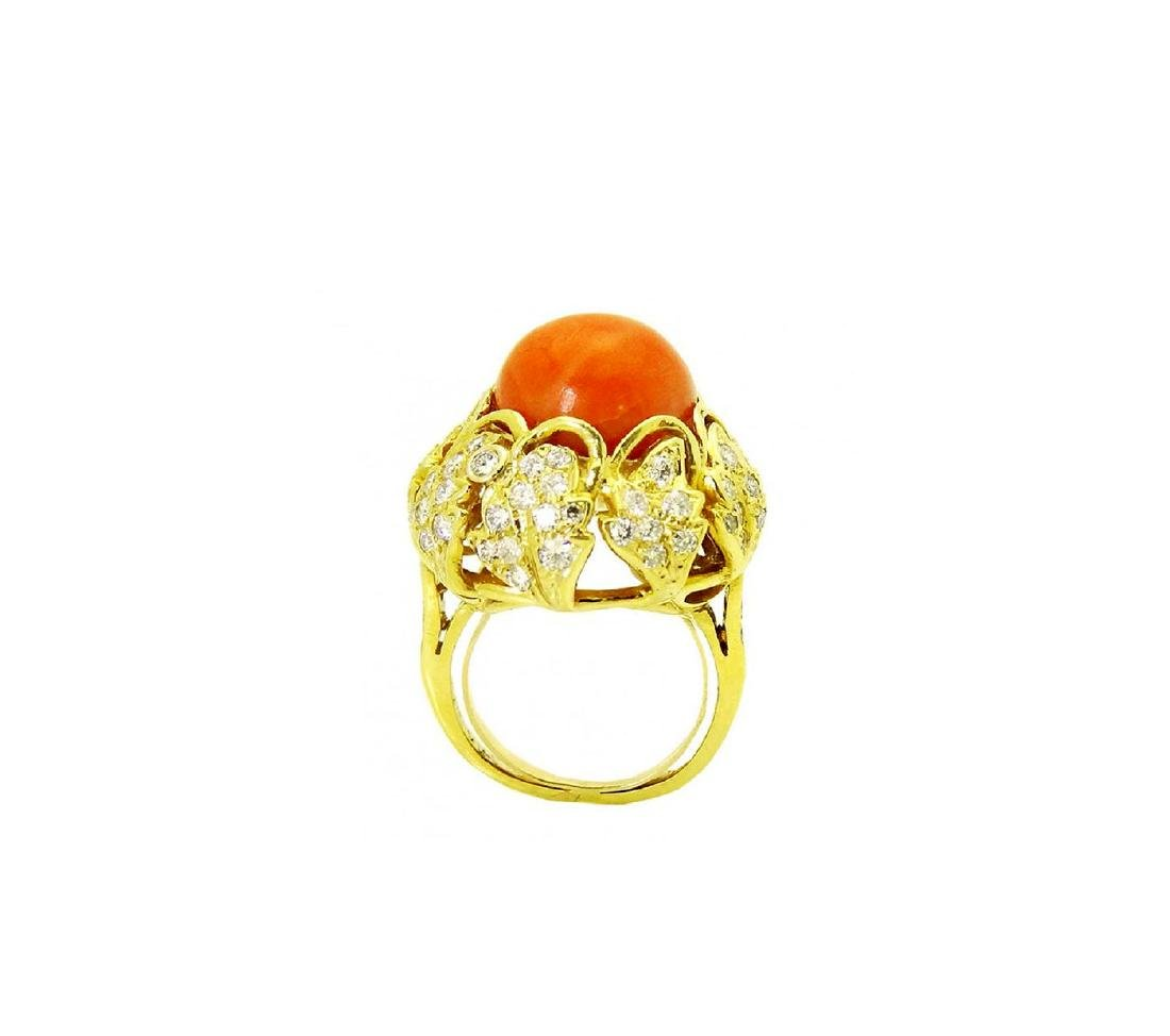 Stunning 18K Gold Coral center stone and Diamond Ring - 3