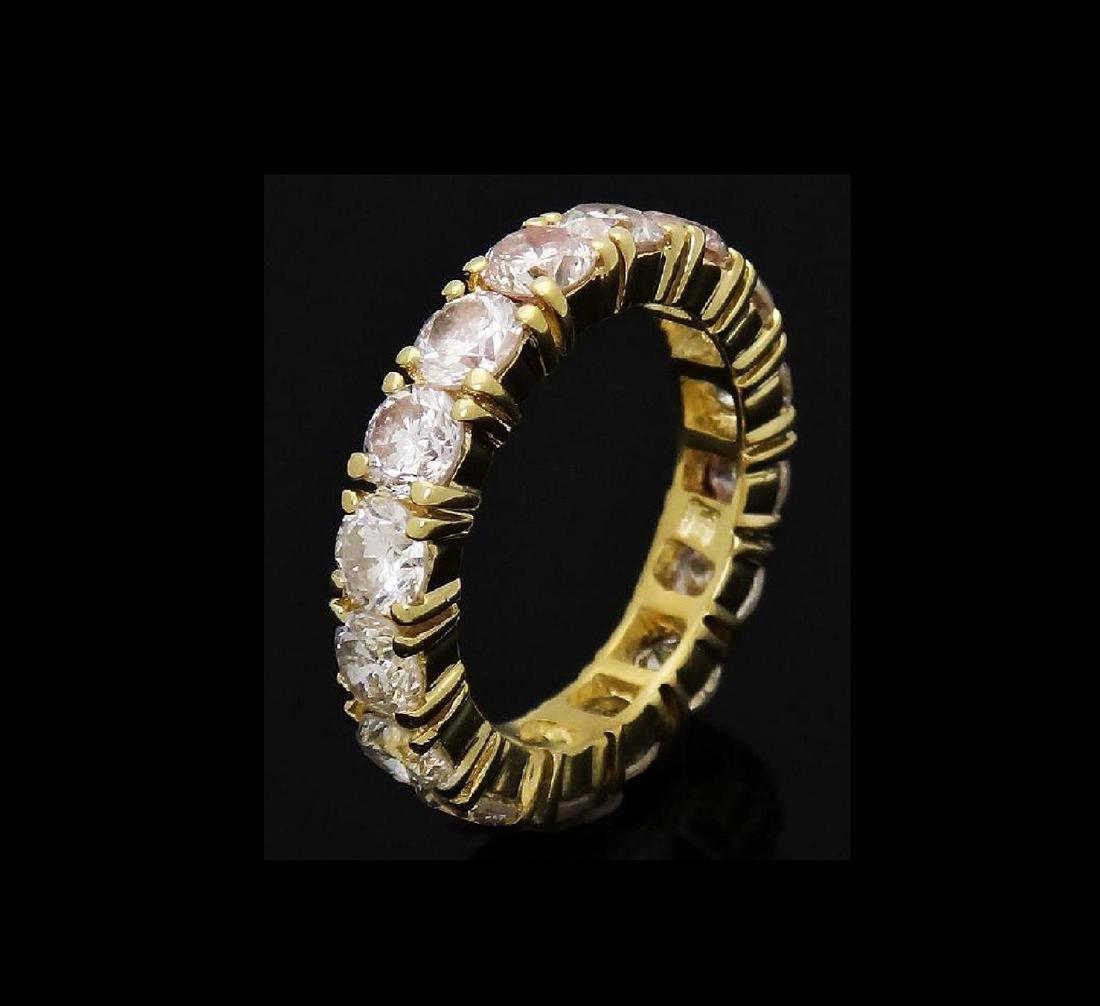 18k Gold 3.20 Carats TCW Diamond Eternity Band Ring - 4