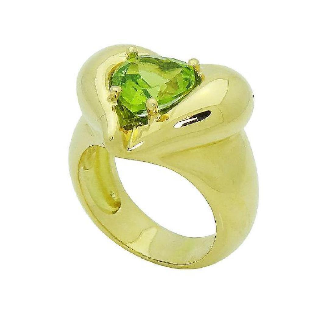 Van Cleef & Arpels 18k Y Gold Heart Shape Peridot Ring - 2