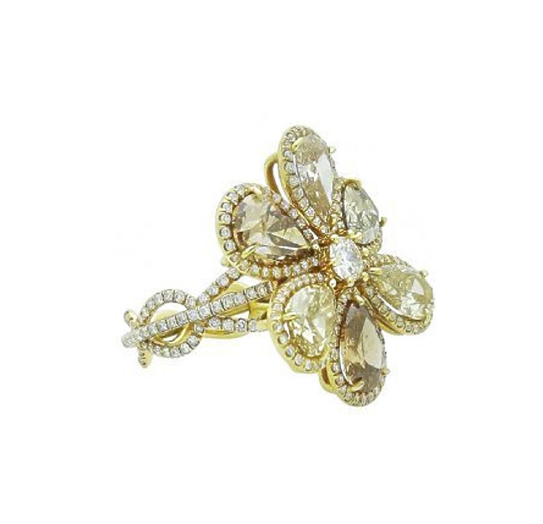 18k Yellow Gold 8.40 TCW Fancy Pear Shape Diamond Ring - 2