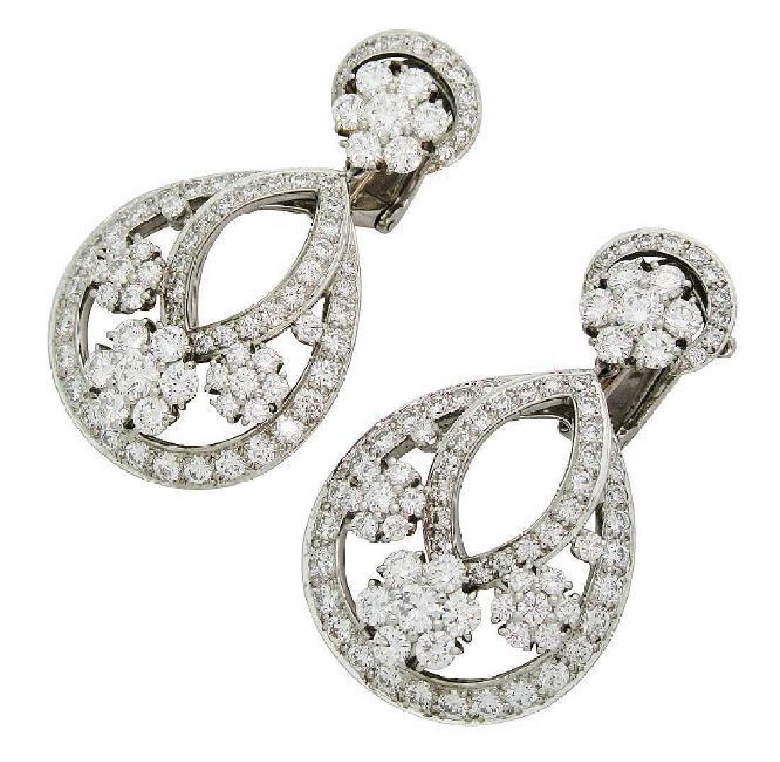 Van Cleef & Arpel Snowflake Diamond Lg Clip-On Earrings - 2
