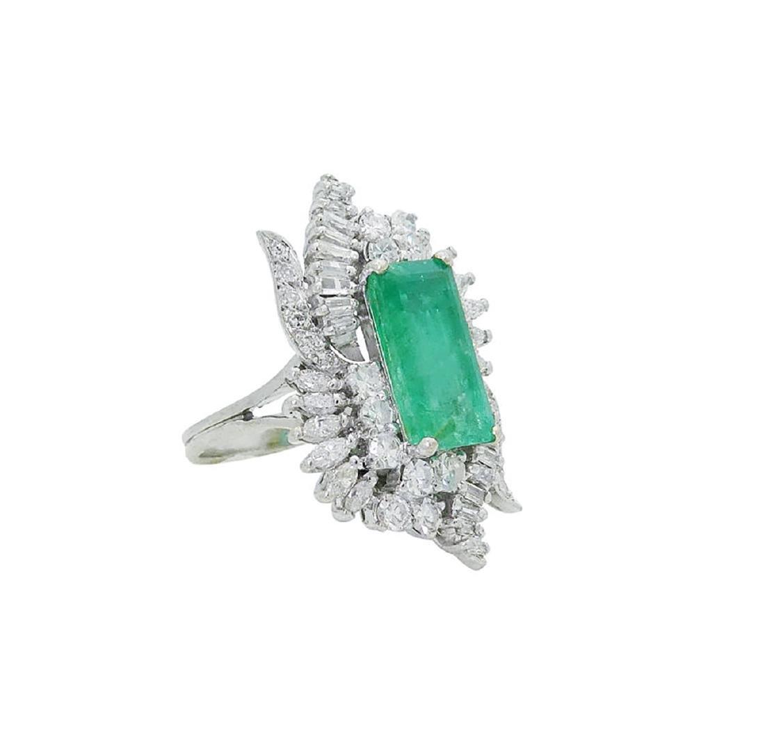 Estate 14k White Gold 3.50 TCW Diamond & Emerald Ring - 2