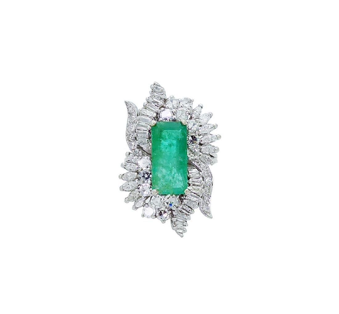 Estate 14k White Gold 3.50 TCW Diamond & Emerald Ring - 3
