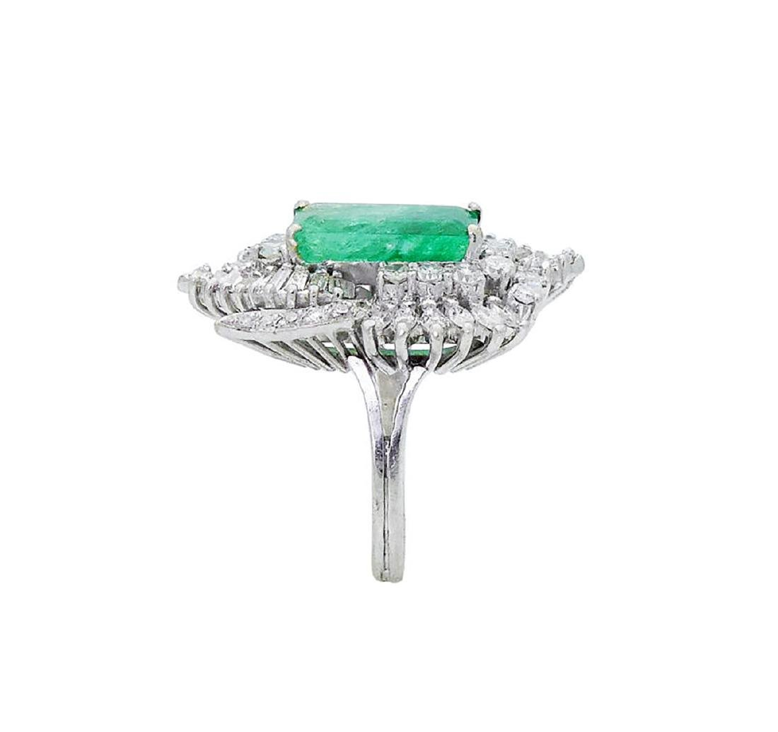 Estate 14k White Gold 3.50 TCW Diamond & Emerald Ring - 4