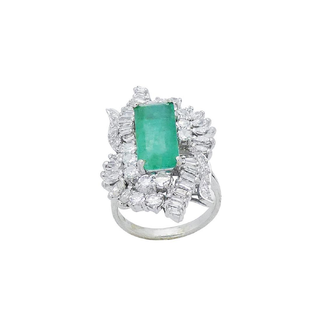 Estate 14k White Gold 3.50 TCW Diamond & Emerald Ring - 5