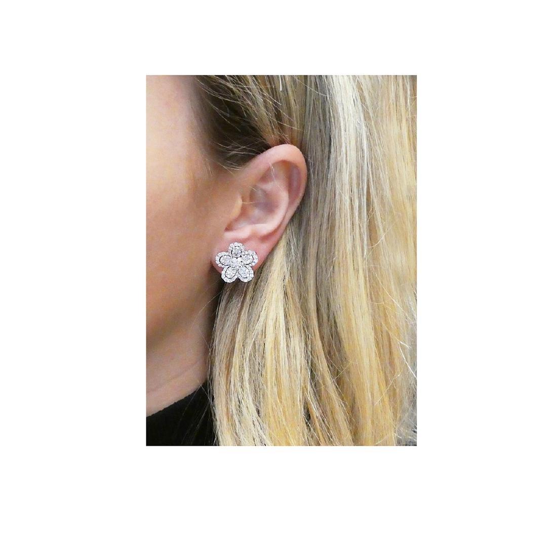 18k  8.00 TCW Brilliant Diamond Set Earring Necklace - 2