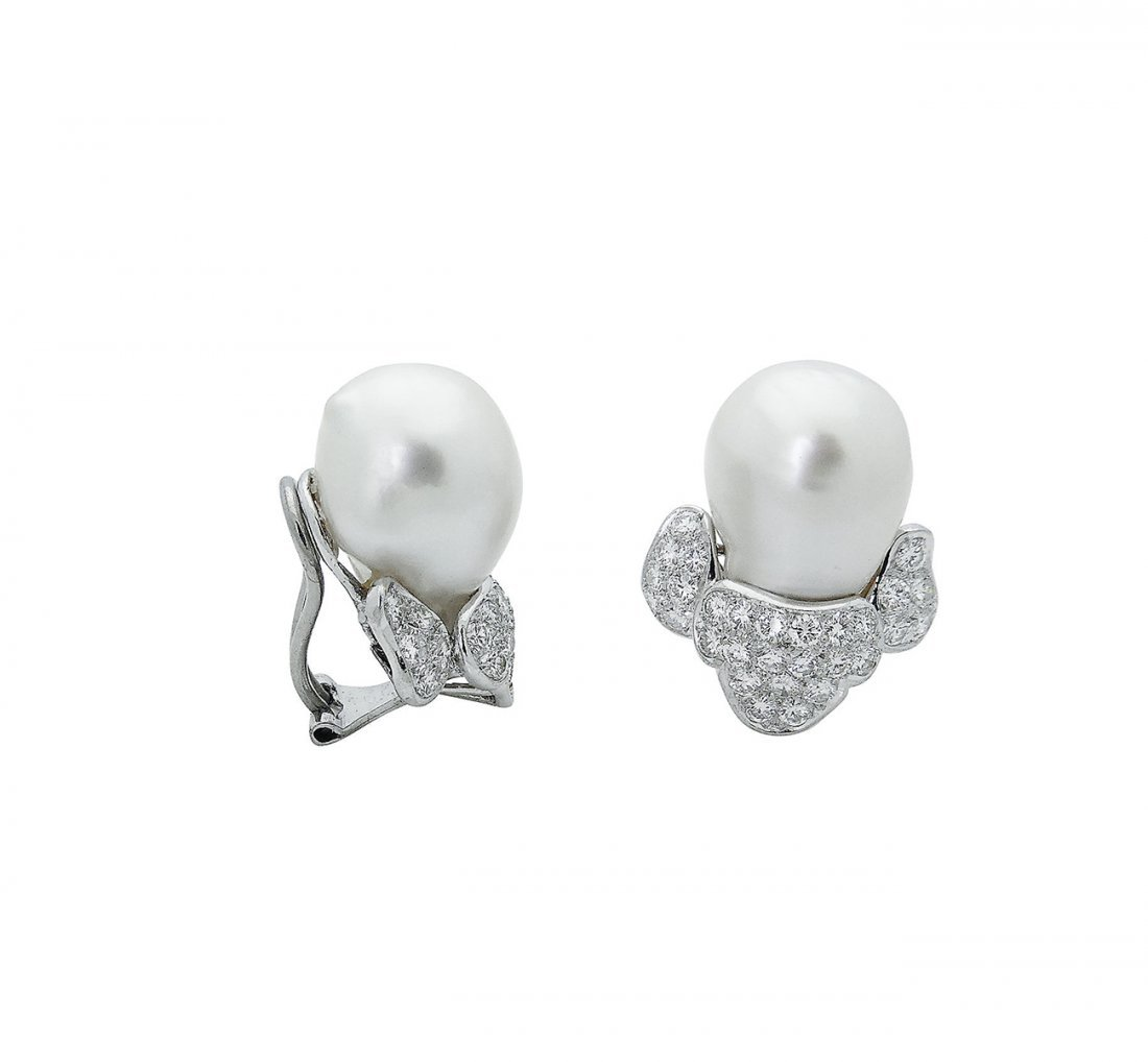 Harry Winston PT 3.50 TCW Diamond & Pearl Clip Earring - 2