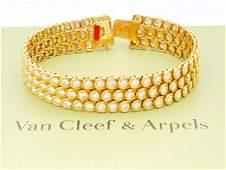 VAN CLEEF & ARPELS 18K GOLD 21TCW DIAMOND BRACELET