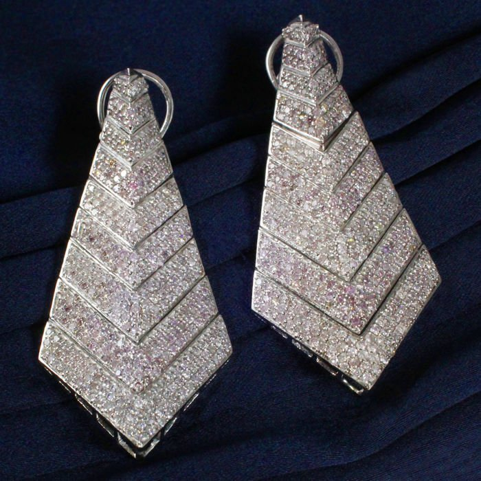 Very Exclusive 14 K White Gold Pink Diamond Earrings