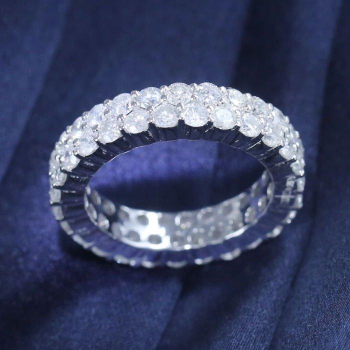 14 k Eternity Diamond Ring in White Gold