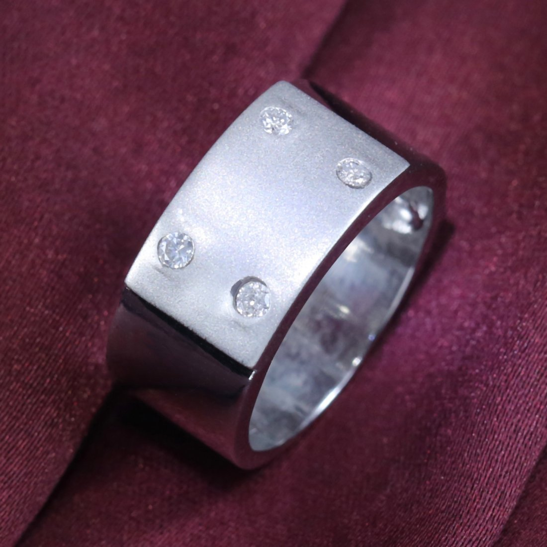 14 k White Gold Men's Diamond Ring