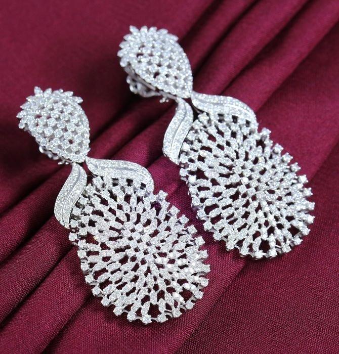 IGI Certified White Gold Diamond Chandelier Earrings