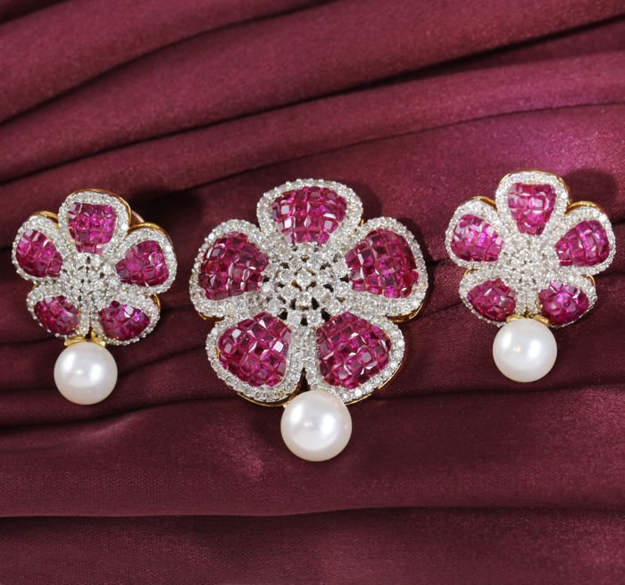 IGI cert. 14 K Ruby Earrings and Pendant with Pearl