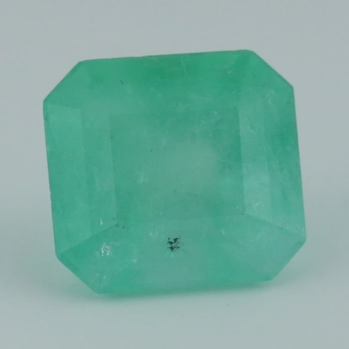 IGI Certified 9.31 ct. Emerald COLOMBIA
