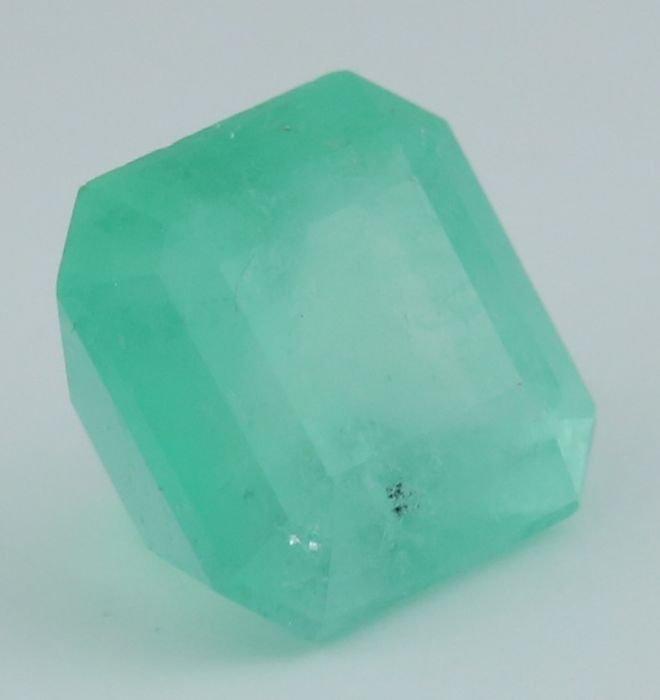IGI Certified 9.31 ct. Emerald COLOMBIA - 3