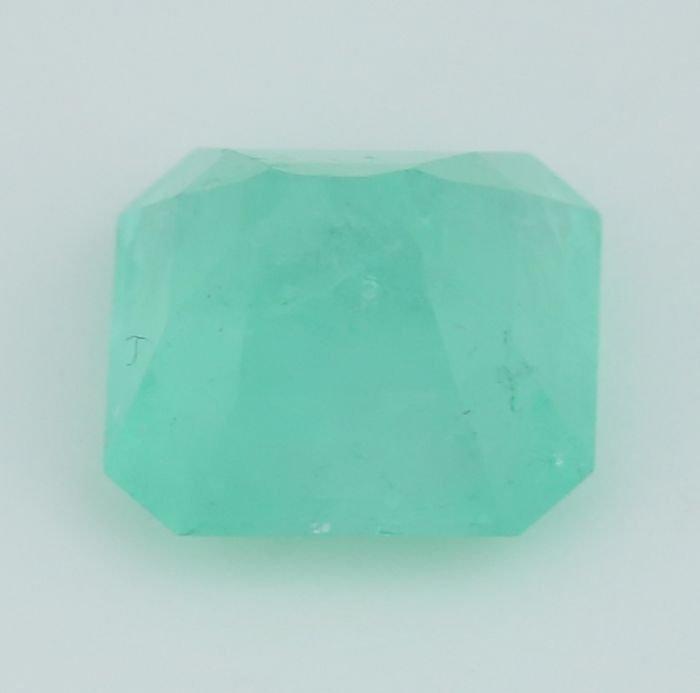 IGI Certified 9.31 ct. Emerald COLOMBIA - 6