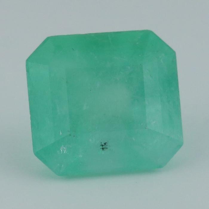 IGI Certified 9.31 ct. Emerald COLOMBIA - 8