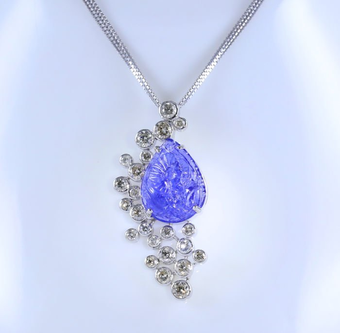 14 K White Gold Tanzanite & Diamond Pendant Necklace