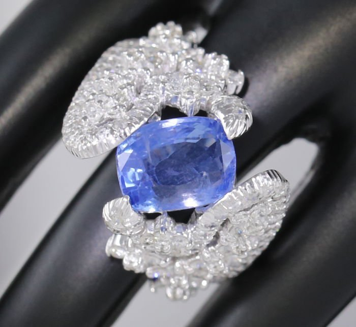 14 K White Gold Blue Sapphire (IGI Cert) & Diamond Ring