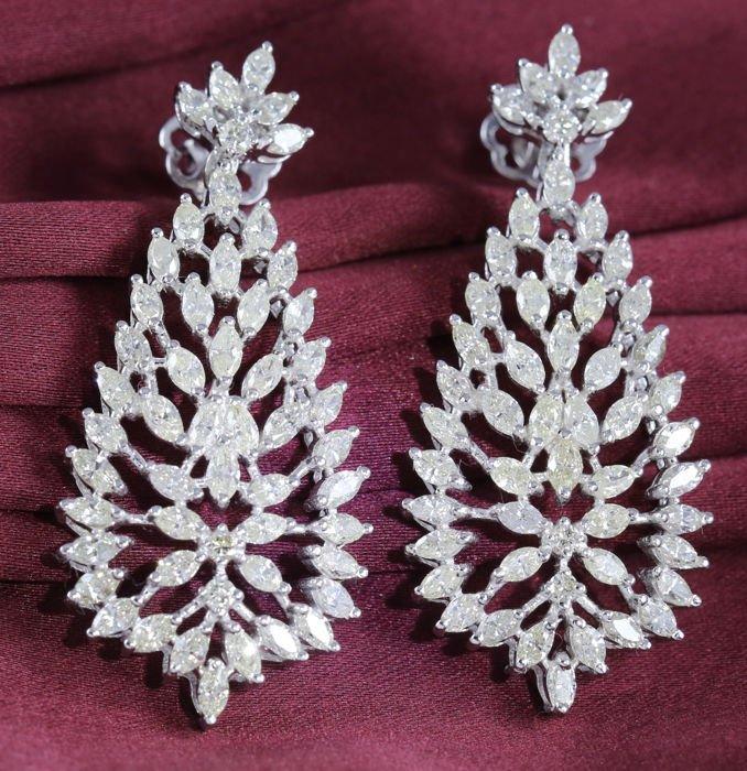 14 K White Gold IGI Certified Designer Diamond Earrings