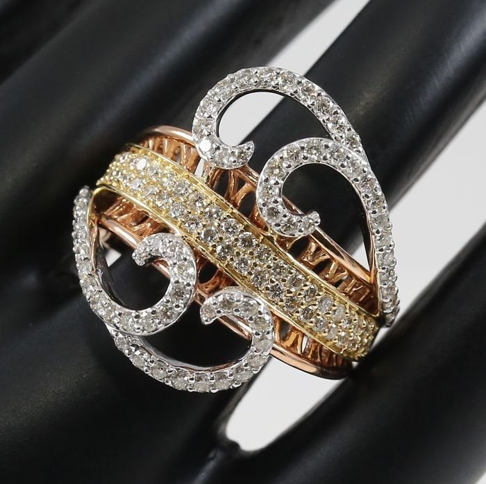 IGI Certified 18 K Rose Gold Designer Diamond Ring