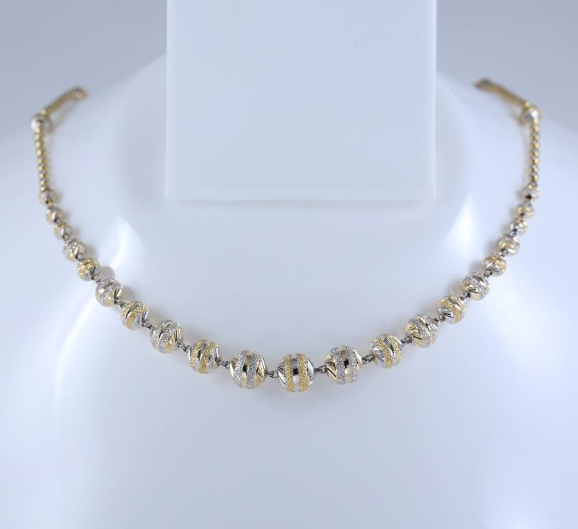 18K/750 Hallmarked Yellow and White Gold Chain Necklace