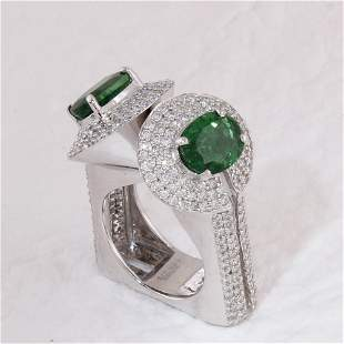 14 K / 585 White Gold Designer Tsavorite & Diamond Ring
