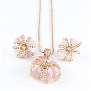 18 K Rose Gold Diamond & Mother of Pearl Pendant Set