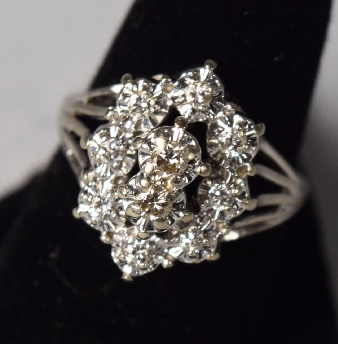 14KT WHITE GOLD DIAMOND CLUSTER RING: