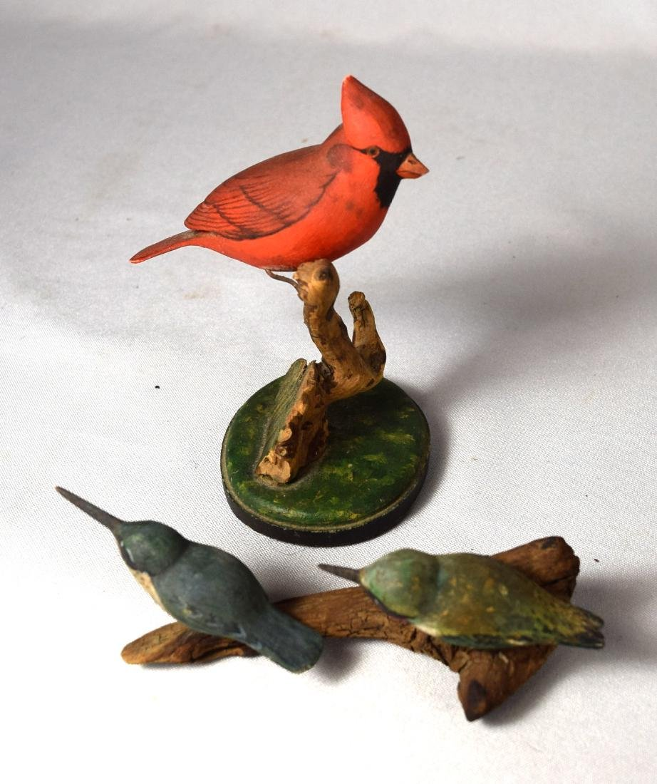 MINIATURE CARVED & PAINTED CARDINAL & PAIR OF HUMMING