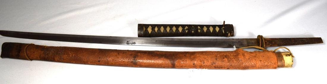 EARLY JAPANESE SAMURAI SWORD WITH LEATHER SCABBARD: - 6